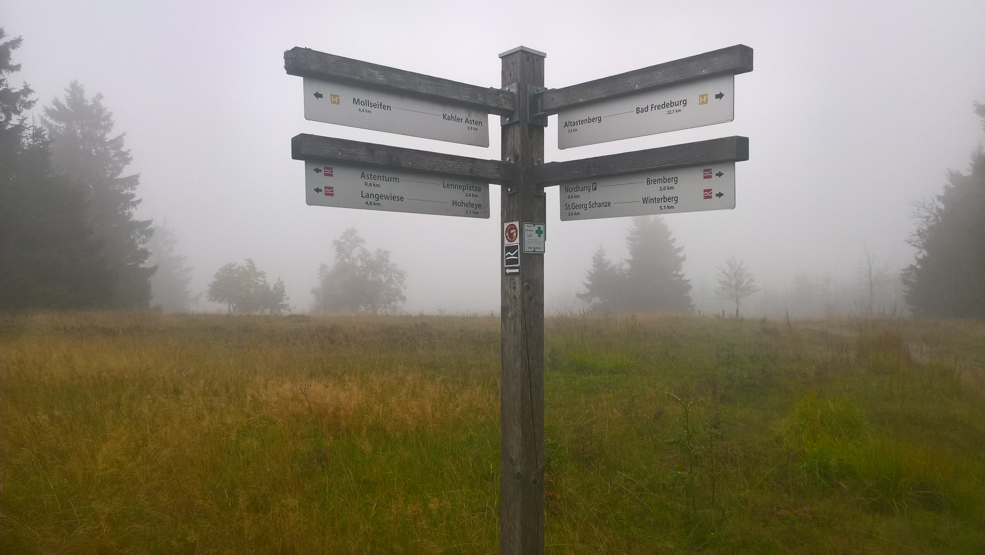 Signs in Mist - Rothaarsteig